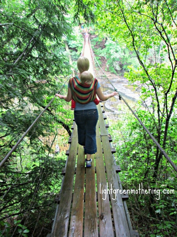 Hiking and Babywearing ~lightgreenmothering.com