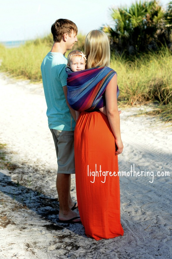 lightgreen babywearing family ~ lightgreenmothering.com
